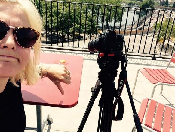 Eier-Brat-Fail #3: Auch auf der Dachterrasse vom BeautySpace, gleich beim Bellevue, will's nicht klappen. Dafür ist's Spiegelei braten with a view, ah yeah! ☀️ tel: null Von: Gina Schuler