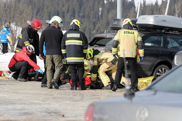 epa08208719 Firefighters and rescuers work at the scene of the fatal accident in Bialka Tatrzanska, south Poland, 10 February 2020. Two people died and two were severely injured after a roof fell  on a ski slope due to the heavy storm in Bukowina Tarzanska. Severe storms passed over Poland causing damage to buildings, trees and electricity.  EPA/GRZEGORZ MOMOT POLAND OUT