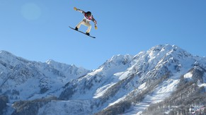 SOCHI, RUSSIA - FEBRUARY 03:  Shaun White of the United States trains during Snowboard Slopestyle practice at the Extreme Park at Rosa Khutor Mountain ahead of the Sochi 2014 Winter Olympics on February 3, 2014 in Sochi, Russia  (Photo by Cameron Spencer/Getty Images)