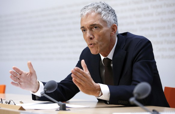 epa07561016 Swiss Federal Attorney Michael Lauber speaks during a press conference at the Media Centre of the Federal Parliament in Bern, Switzerland, 10 May 2019. Federal Attorney Michael Lauber is criticised for informal meetings with FIFA head Gianni Infantino. The supervisory authority for the Federal Prosecutor's Office is opening a disciplinary investigation against Lauber.  EPA/PETER KLAUNZER
