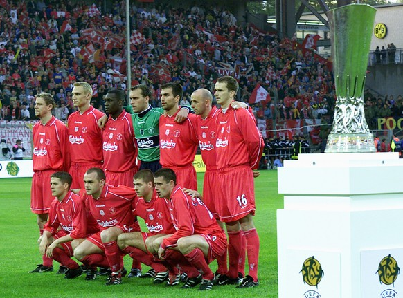 FC Liverpool players line prior to the UEFA Cup final against Deportivo Alaves at the Westfalen Stadium in Dortmund on Wednesday, 16 May 2001. Back from left  - Stephane Henchoz, Sami Hyypia, Emile Heskey, Sander Westerveld, Markus Babbel, Gary McAllister, Dietmar Hamann. Front from left - Michael Owen, Danny Murphy, Steven Gerrard, Jamie Carragher. Liverpool won a thrilling match by Golden Goal 5-4.      EPA PHOTO          EPA/ANJA NIEDRINGHAUS