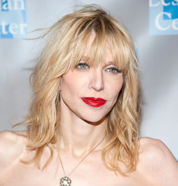 BEVERLY HILLS, CA - MAY 19:  Singer-songwriter Courtney Love arrives at the L.A. Gay & Lesbian Center's