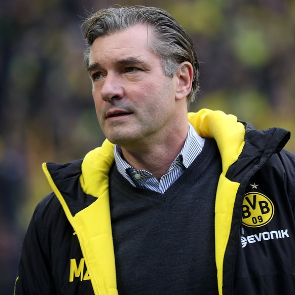 epa06350013 Dortmund's director of sports Michael Zorc looks on during the German Bundesliga soccer match between Borussia Dortmund and FC Schalke 04 in Dortmund, Germany, 25 November 2017.  EPA/FRIEDEMANN VOGEL EMBARGO CONDITIONS - ATTENTION: Due to the accreditation guidelines, the DFL only permits the publication and utilisation of up to 15 pictures per match on the internet and in online media during the match.