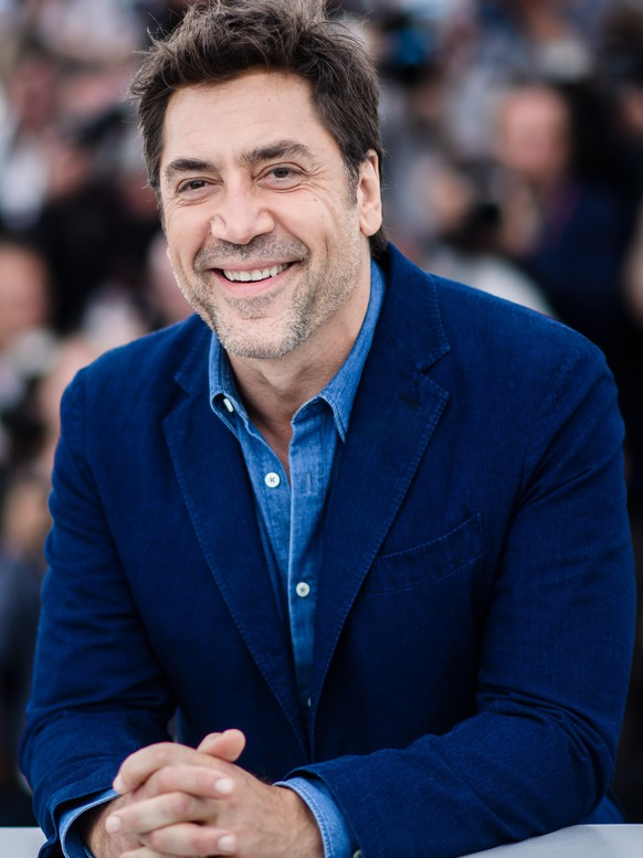 epa06721464 Spanish actor Javier Bardem poses during the photocall for 'Everybody Knows' at the 71st annual Cannes Film Festival, in Cannes, France, 09 May 2018. The movie is presented in the Official Competition of the festival which runs from 08 to 19 May.  EPA/CLEMENS BILAN