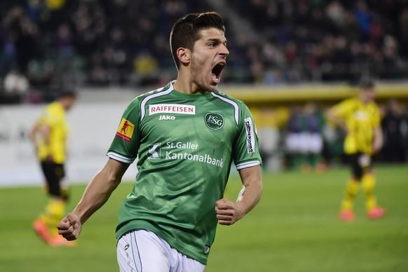 11.04.2015; St.Gallen; Fussball Super League - FC St.Gallen - BSC Young Boys;Roberto Rodriguez (St.Gallen) jubelt nach dem Tor zum 1:1(Andy Mueller/freshfocus)