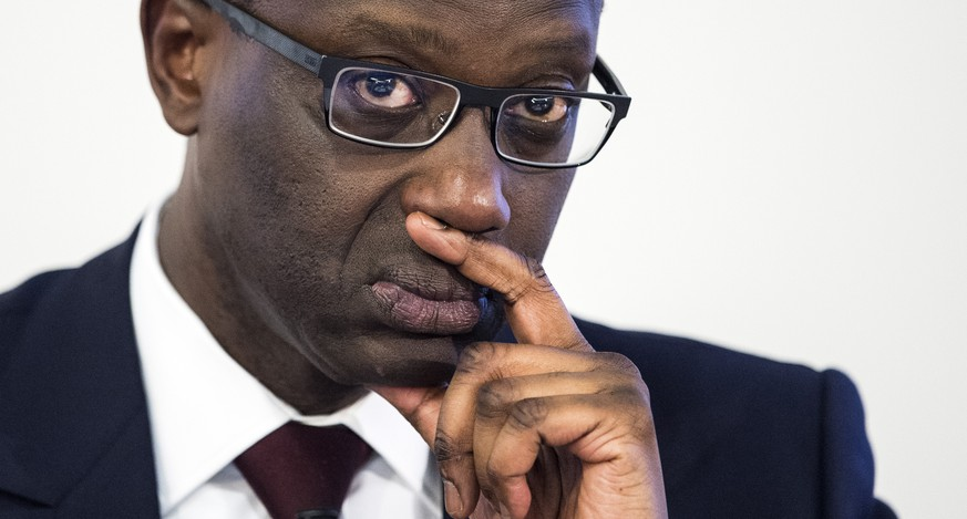 Tidjane Thiam, CEO of Swiss bank Credit Suisse, is pictured during a press conference in Zurich, Switzerland, Thursday, 23 July 2015. Swiss bank Credit Suisse said that net income was 1.05 billion Swiss francs ($1.09 billion) in the quarter, compared with a loss of 700 million francs in the same period last year. (KEYSTONE/Ennio Leanza)