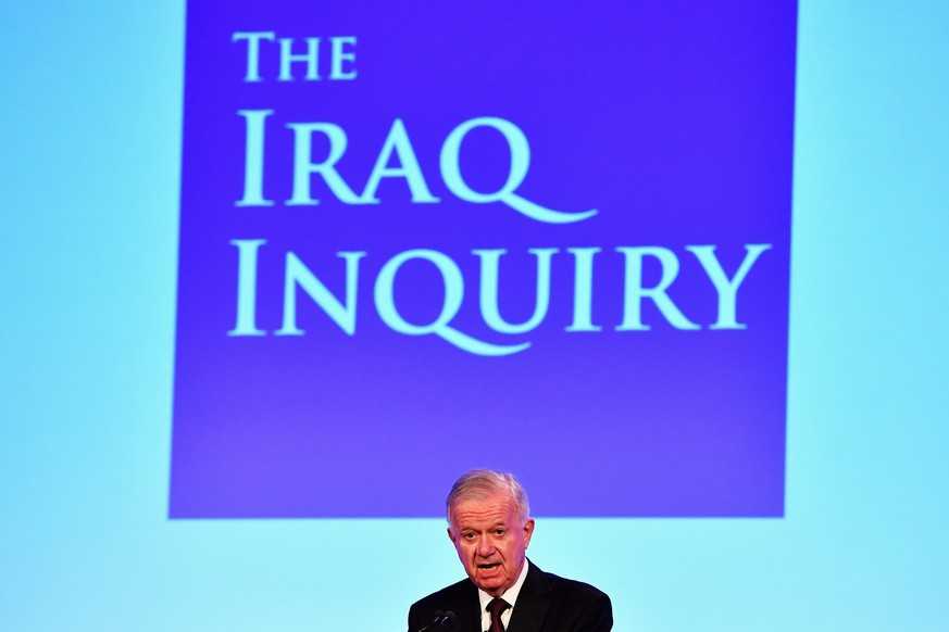 epa05410190 Sir John Chilcot presents The Iraq Inquiry Report at the Queen Elizabeth II Centre in Westminster in London, Britain, 06 July 2016. The Chilcot Inquiry, chaired by Sir John Chilcot, examines the circumstances surrounding the British Governments involvement in the 2003 Iraq War.  EPA/JEFF J MITCHELL / POOL