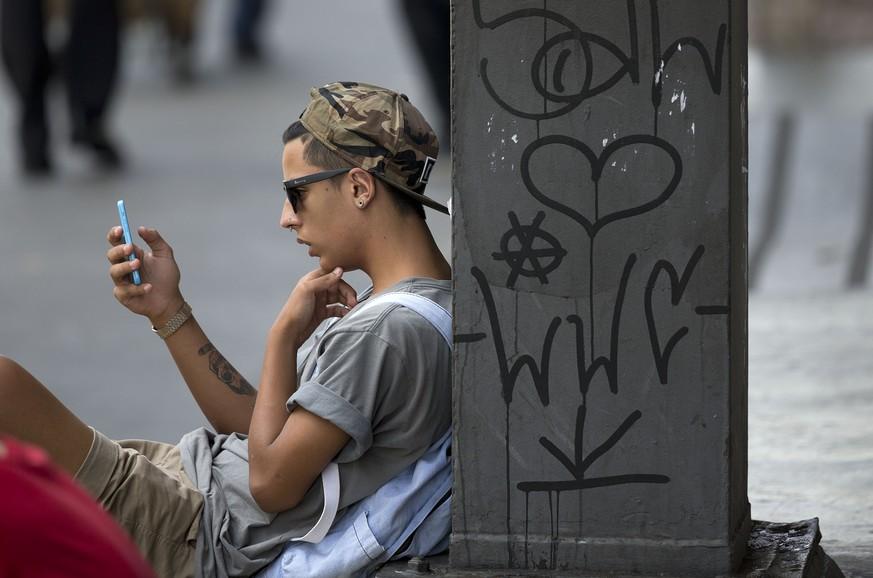 WhatsApp setzt Mindestalter auf 16 Jahre herauf - was sich jetzt genau ändert