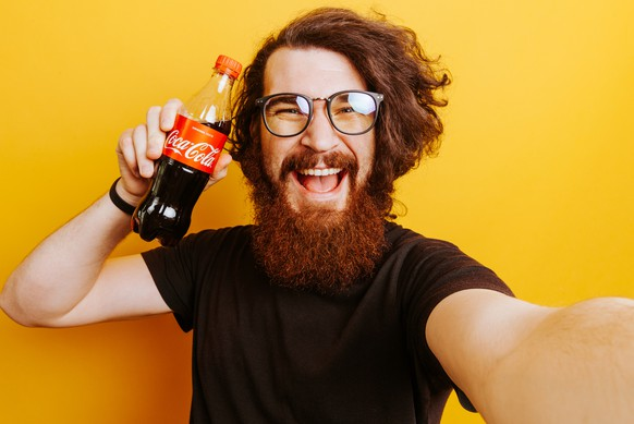 Kleiner Coca Cola Kühlschrank : Coca cola gelb kiste metall kühlschrank magnet na eur