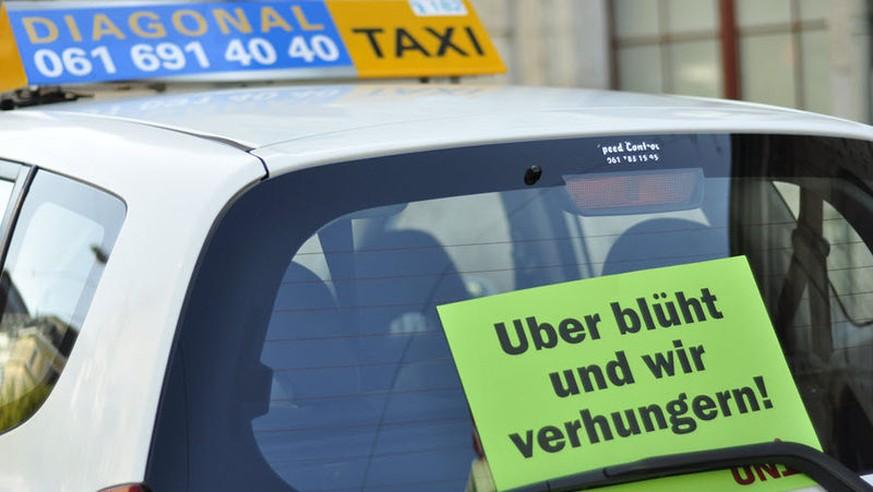 sauer auf uber taxi fahrer auf demonstrations fahrt in bern watson. Black Bedroom Furniture Sets. Home Design Ideas