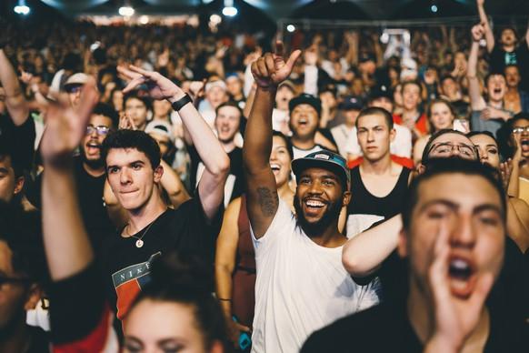 Menschenmenge, Crowd