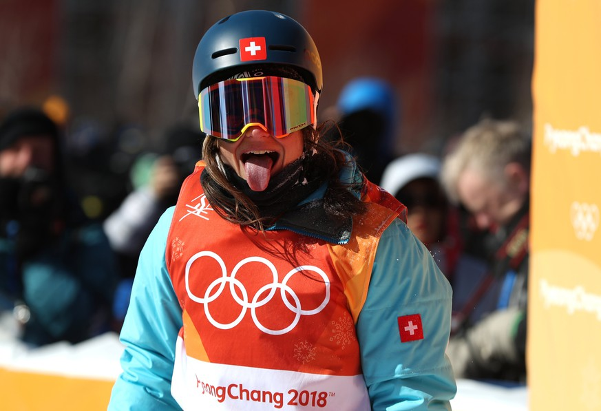 epa06534960 Sarah Hoefflin of Switzerland reacts after her final run in the Women's Freestyle Skiing Ski Slopestyle final at the Bokwang Phoenix Park during the PyeongChang 2018 Olympic Games, South Korea, 17 February 2018.  EPA/FAZRY ISMAIL