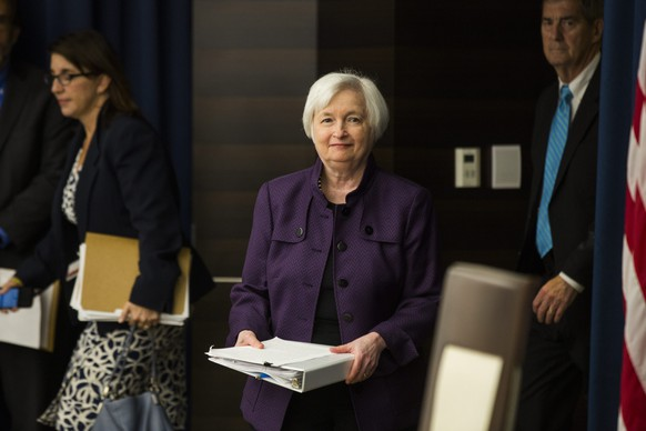 epa05551535 US Federal Reserve Chair Janet Yellen prepares to announce that the Federal Reserve will not raise interest rates at a press conference in Washington, DC, USA, 21 September 2016. Yellen did signal a possible interest rate hike in mid-December after the presidential election.  EPA/JIM LO SCALZO