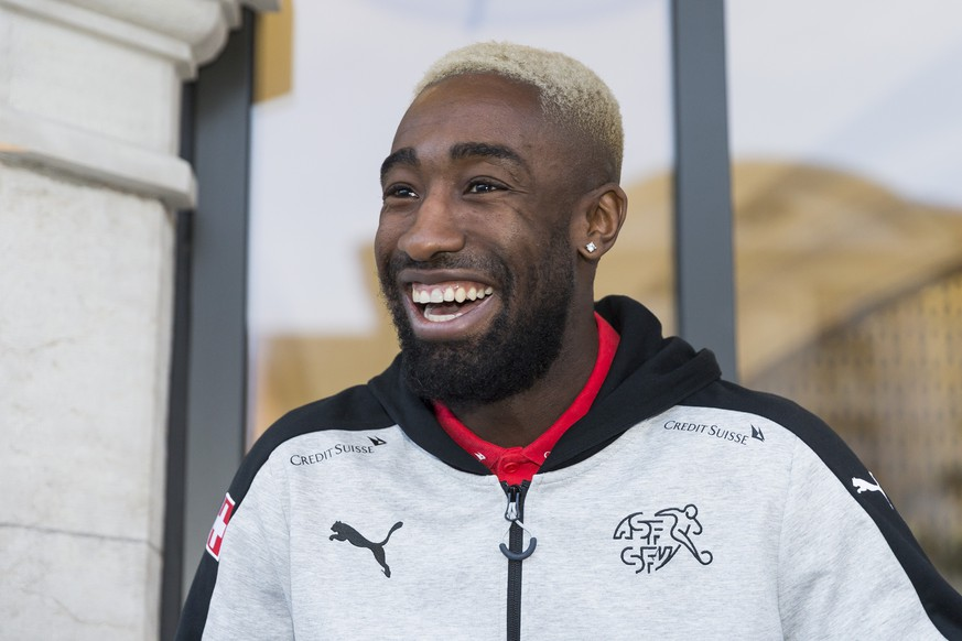 Johan Djourou, player of the Swiss soccer national team, arrives at the Royal Hotel Savoy, in Lausanne, Switzerland, Monday, March 20, 2017. Switzerland is scheduled to play a 2018 Fifa World Cup Russia group B qualification soccer match against Latvia in Geneva on Saturday, March 25, 2017. (KEYSTONE/Cyril Zingaro)