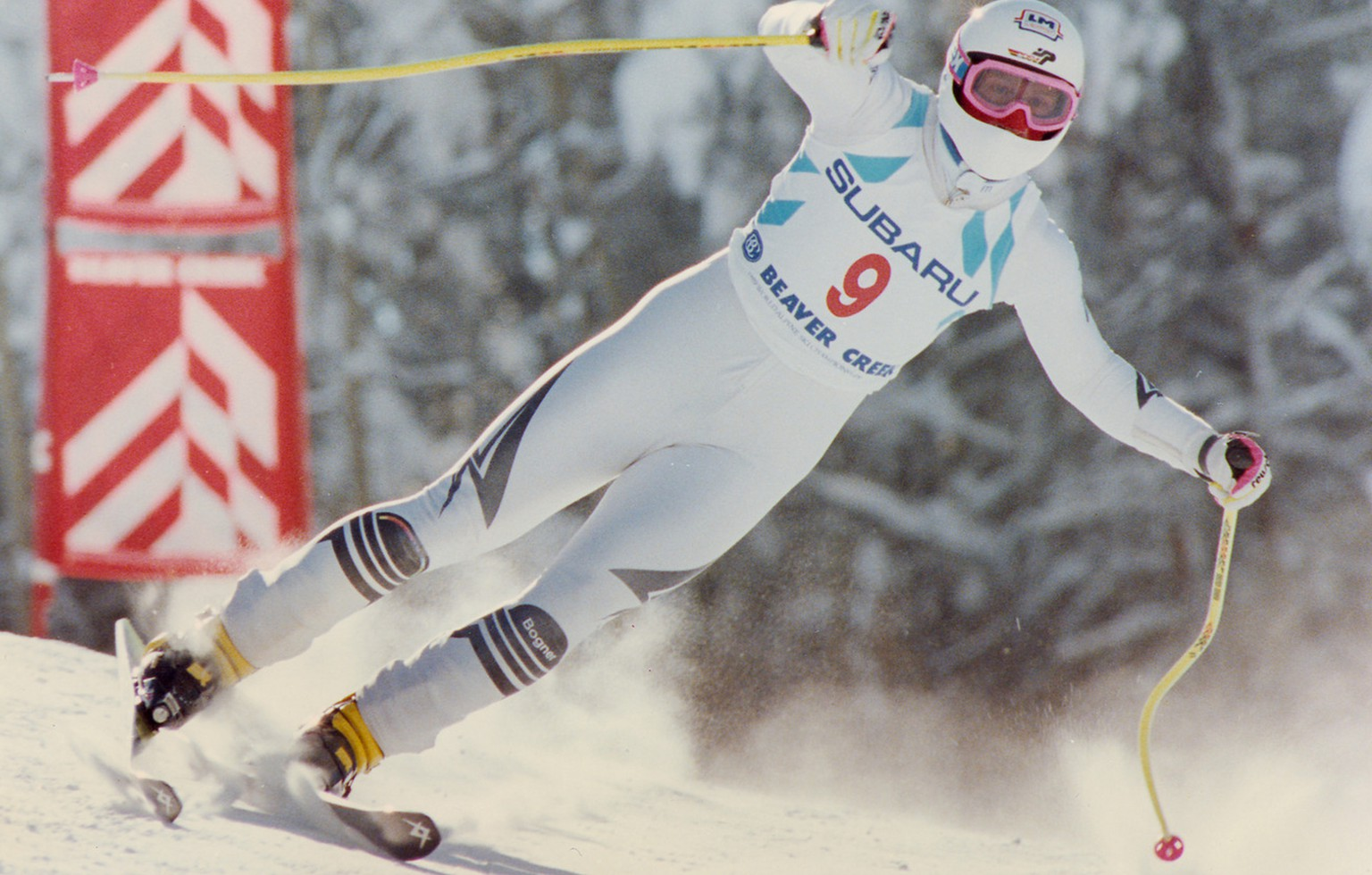 EN ROUTE TO GOLD: West Germany«s Hansjoerg Tauscher flies past a course gate on the men«s downhill Monday, Febr. 06, 1989, headed for a gold-medal victory in the World Alpine Ski Championships from Vail, Beaver Creek, Colo. (AP-Photo/stf/Diether Endlicher)