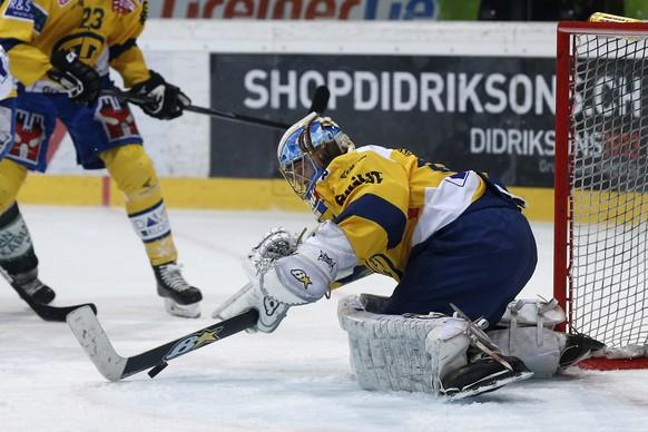 21.03.2015; Bern: Eishockey NLA Playoff - SC Bern - HC Davos: Leonardo Genoni (Davos)(Christian Pfander/freshfocus)