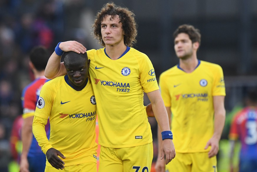 epa07254144 Chelsea's N'Golo Kante (L) and Chelsea's David Luiz (R) react after the English Premier League soccer match between Crystal Palace v Chelsea at Selhurst Park in London, Britain, 30 December 2018.  EPA/FACUNDO ARRIZABALAGA EDITORIAL USE ONLY. No use with unauthorized audio, video, data, fixture lists, club/league logos or 'live' services. Online in-match use limited to 120 images, no video emulation. No use in betting, games or single club/league/player publications.