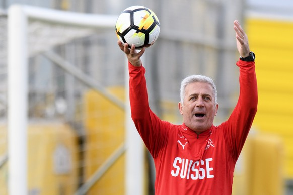 Swiss national team head coach Vladimir Petkovic during a training session at the AEK FC Training Center, in Athens, Greece, Wednesday, March 21, 2018. Switzerland will face Greece in Athens on March 23, 2018 for a friendly soccer match on preparation for the upcomming 2018 Fifa World Cup in Russia. (KEYSTONE/Laurent Gillieron)