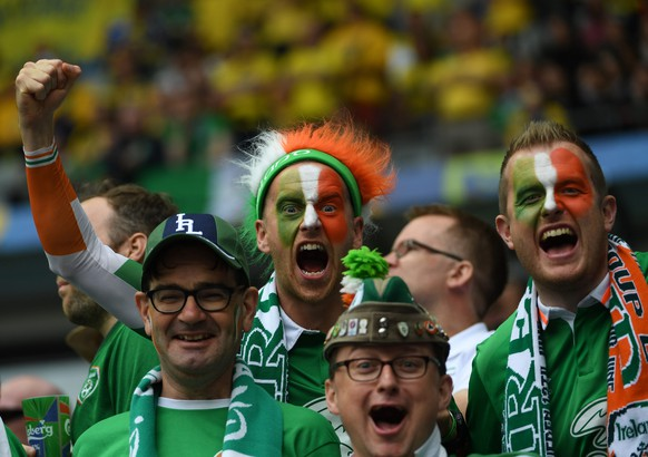 epa05361915 Ireland supporters before the UEFA EURO 2016 group E preliminary round match between Ireland and Sweden at Stade de France in Saint-Denis, France, 13 June 2016.