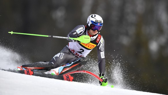 epa07376575 Henrik Kristoffersen of Norway clears a gate during the first run of the Men's Slalom race at the 2019 FIS Alpine Skiing World Championships in Are, Sweden, 17 February 2019.  EPA/CHRISTIAN BRUNA
