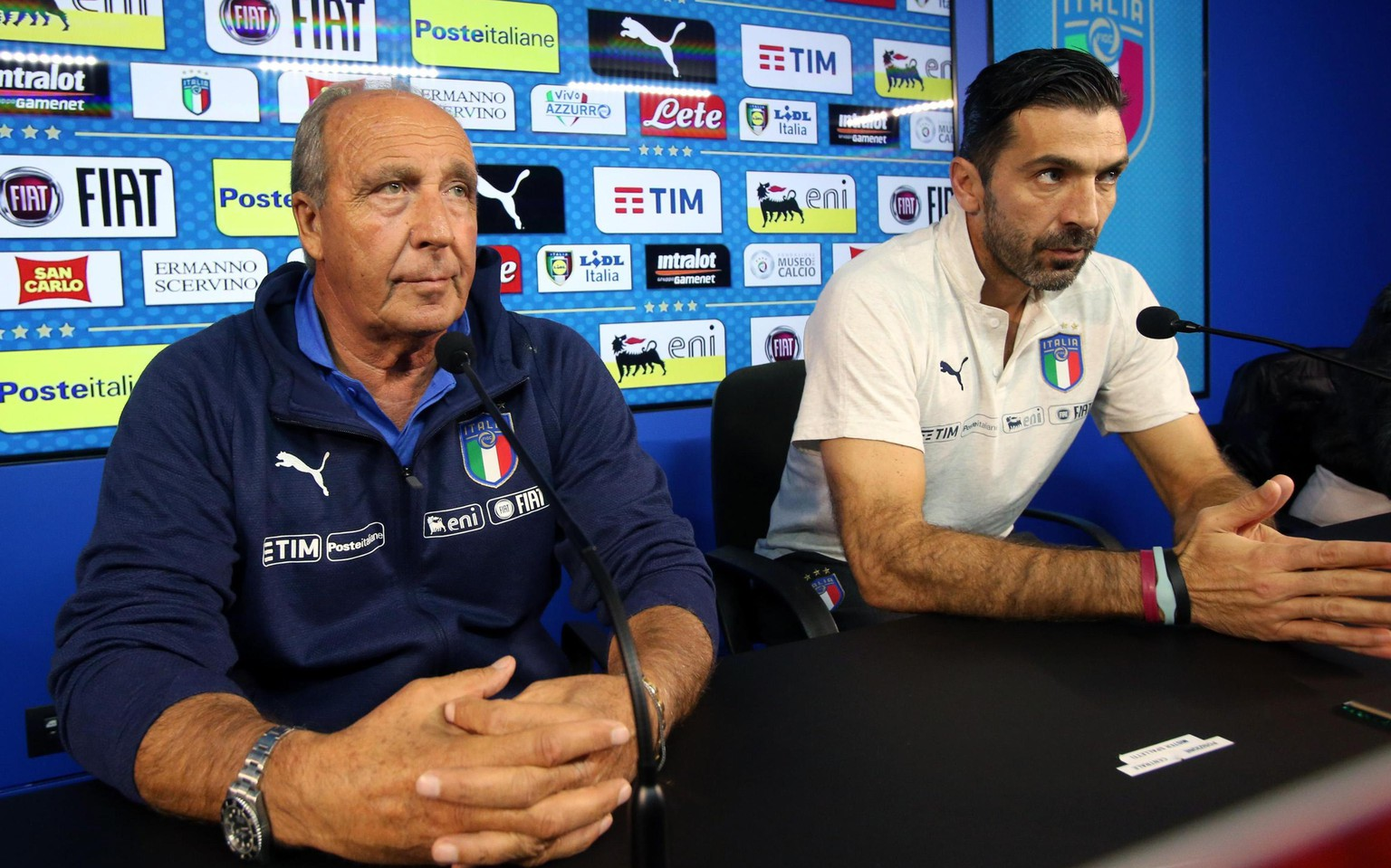 epa06324513 Italy's coach Gian Piero Ventura (L) and team captain Gianluigi Buffon attend a press conference in Appiano Gentile, Italy, 12  November 2017. Italy faces Sweden on 13 November 2017 in a FIFA World Cup 2018 play-off second leg soccer match.  EPA/MATTEO BAZZI