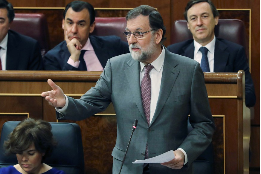 epa06772285 Spanish Prime Minister, Mariano Rajoy (C), delivers a speech during the weekly Spanish Government's question time session at Lower Chamber of Parliament, in Madrid, Spain, 30 May 2018. The session is focused on the motion of no confidence presented by main opposition Socialist Party, the verdict of Guertel Case and the plans to lift the Spanish Constitution's article 155 in Catalonia.  EPA/BALLESTEROS