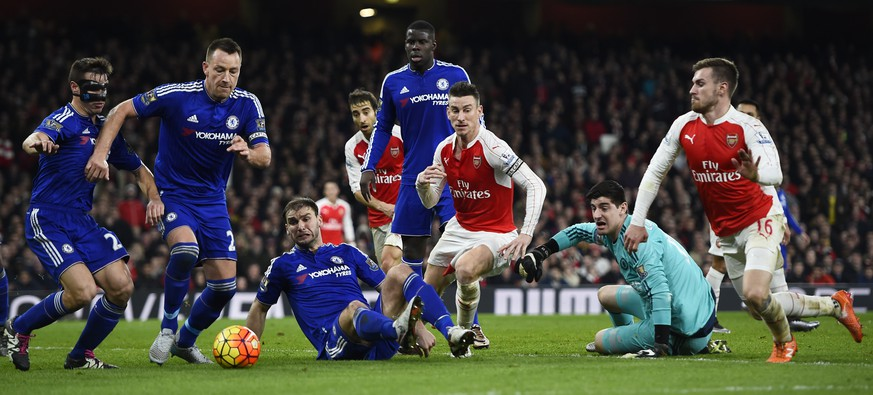Football Soccer - Arsenal v Chelsea - Barclays Premier League - Emirates Stadium - 24/1/16