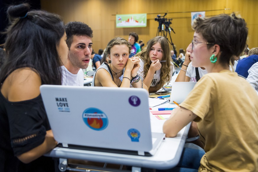 epa07757600 Young activists attend the 'Fridays For Future Summit', at the University of Lausanne (UNIL), in Lausanne, Switzerland, 05 August 2019. More than 450 participants from 37 different countries will meet in Lausanne, Switzerland, from 05 to 09 August for the summer gathering of the 'Fridays for Future' movement.  EPA/JEAN-CHRISTOPHE BOTT