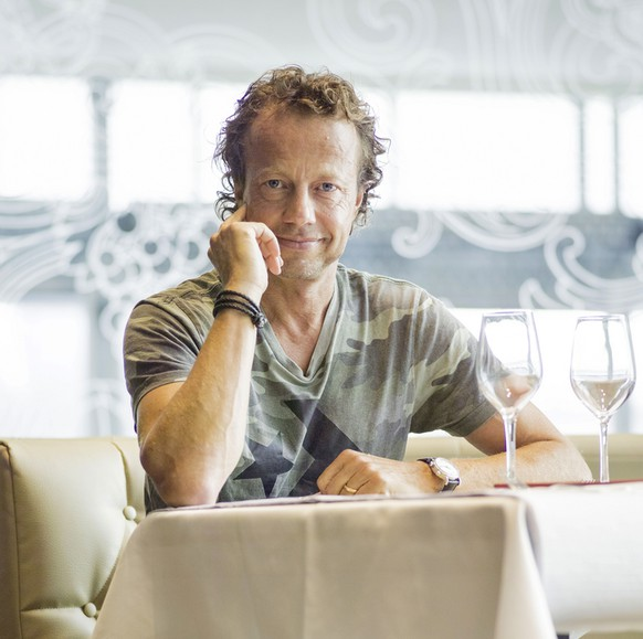Rolf Hiltl posiert am 25. Juli 2014 in seinem Restaurant in Zuerich. (KEYSTONE/Christian Beutler)Rolf Hiltl poses in his restaurant in Zuerich, Switzerland, July 25, 2014. (KEYSTONE/Christian Beutler)