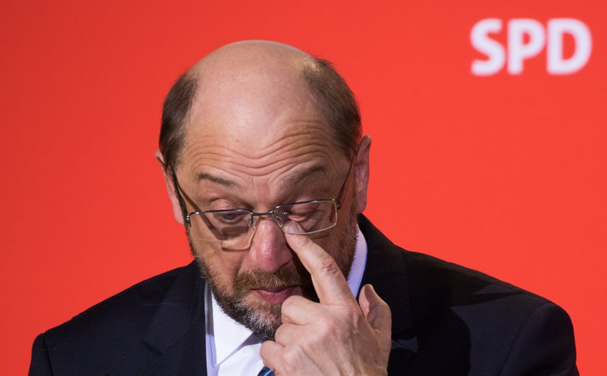 epa06503422 Leader of the Social Democratic Party (SPD) Martin Schulz gestures during a press conference at the SPD headquarters Willy-Brandt-Haus, in Berlin, Germany, 07 February 2018. Schulz announced his resignation from the party leadership, which is expected to be transferred to Andrea Nahles. Schulz confirmed that he wants to serve as the next German Foreign Minister after the new government will be established. After an overnight coalition negotiation session the leaders of the Christian Democratic Union of Germany (CDU), the Christian Social Union (CSU) from Bavaria and Social Democratic Party (SPD) formed the coalition of a new German government.  EPA/ALEXANDER BECHER