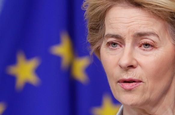 epa08283511 European Commission President Ursula Von Der Leyen gives a press statement on Coronavirus/ COVID-19 at the European Council, in Brussels, Belgium, 10 March 2020.  EPA/STEPHANIE LECOCQ