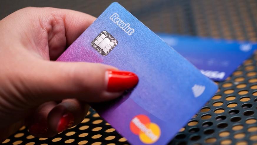 Revolut, Transferwise, Neon, Zak: Comparison with Swiss Banks