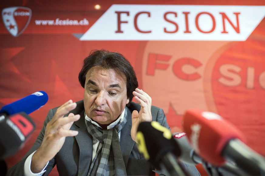 epa06219707 FC Sion soccer team president Christian Constantin attends a press conference the day after he physically attacked Rolf Fringer, in Martigny, Switzerland, 22 September, 2017. Swiss club president physically attacked the former national coach and television commentator Rolf Fringer after the Super League soccer match Sion's 2-1 win at Lugano on 21 September.  EPA/OLIVIER MAIRE