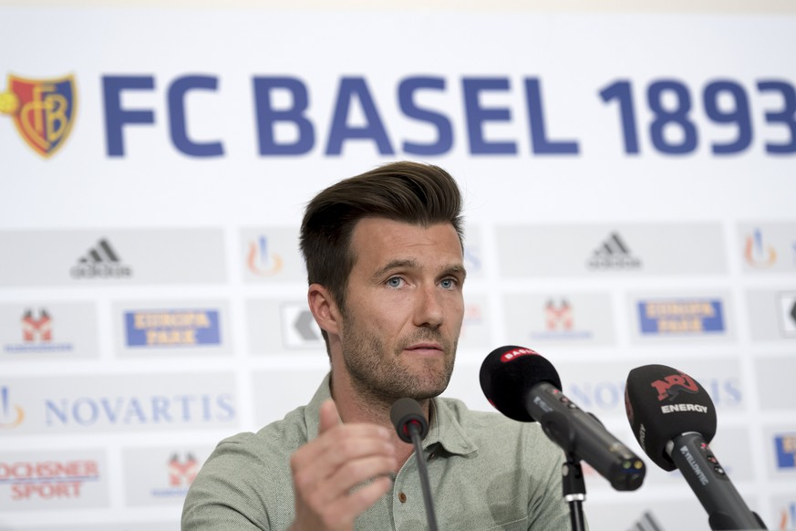 epa05919612 FC Basel 1893 new head coach Raphael Wicky speaks at a press conference in the St. Jakob-Park stadium, in Basel, Switzerland, 21 April 2017. Wicky will replace Urs Fischer in the season 2017/18.  EPA/GEORGIOS KEFALAS
