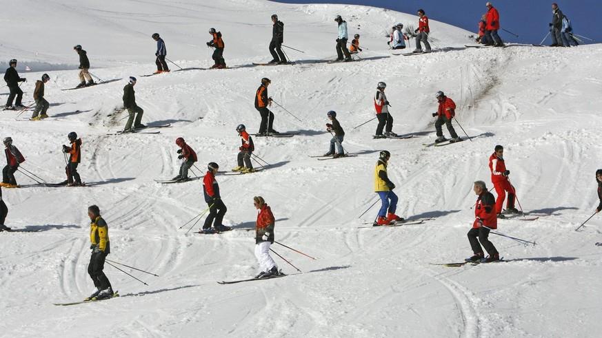 Ansturm auf Schweizer Ski-Gebiete – Berset will Corona-Massnahmen drastisch verschärfen