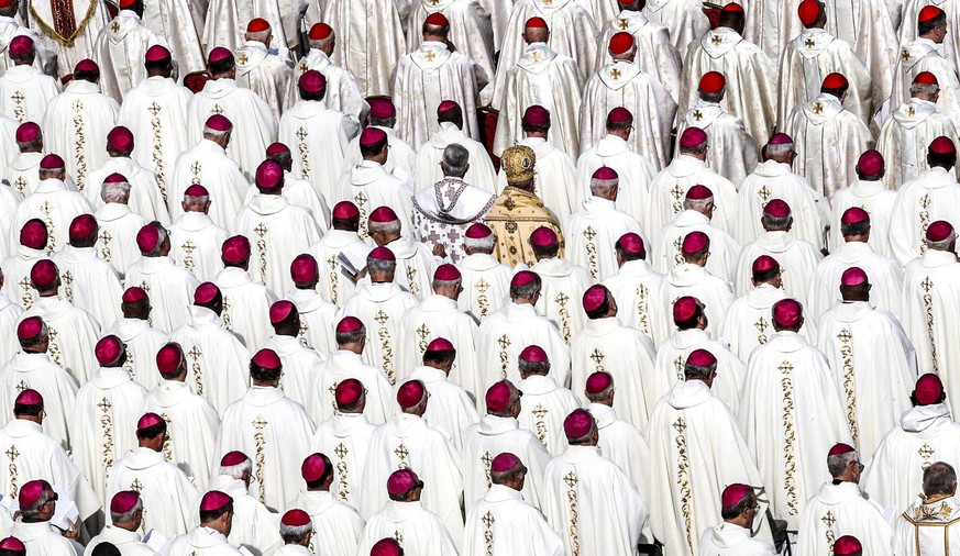 epa08404436 Clergymen attend Pope Francis' canonization Mass of Pope Paul VI, Salvadorian Archbishop Oscar Romero, and five others, at the Vatican, 14 October 2018 (reissued 06 May 2020). White is the brightest of all colors that is actually created by a mixture of individual colors. White symbolizes purity, virginity and innocence and therefore is the favorite bridal color. The Holy Spirit is often depicted as a white dove and the color also stands for peace. In Western culture, white is usually associated with terms such as joy. In China, the color is a symbol for age and mourning.  EPA/GIUSEPPE LAMI  ATTENTION: This Image is part of a PHOTO SET *** Local Caption *** 54699972