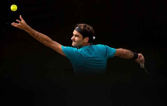 16.06.2018, Baden-Wuerttemberg, Stuttgart: Tennis: ATP-Tour - Stuttgart, Einzel, Herren, Halbfinale. Federer (Schweiz) - Kyrgios (Australien). (KEYSTONE/DPA/Marijan Murat)