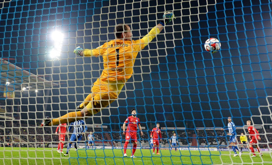 KARLSRUHE, GERMANY - MARCH 09: Goalkeeper Fabio Coltorti of RB Leipzig saves the ball during the Second Bundesliga match between Karlsruher SC and RB Leipzig at Wildpark Stadium on March 9, 2015 in Karlsruhe, Germany.  (Photo by Matthias Hangst/Bongarts/Getty Images)