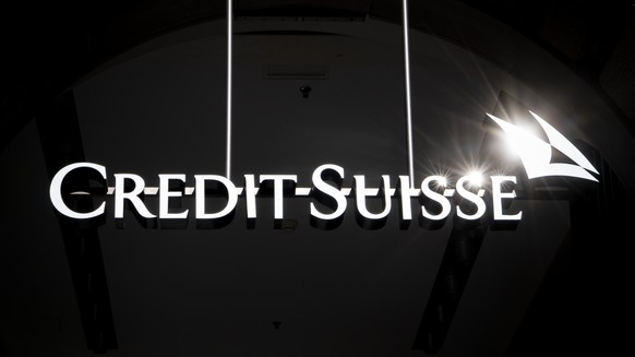 ARCHIVBILD - ZUR MELDUNG DER GEWINNSTEIGERUNG DER CREDIT SUISSE, AM MITTWOCH, 24. APRIL 2019 - A logo of the Swiss bank Credit Suisse is pictured in Zurich, Switzerland, Thursday, Feburary 14, 2019. (KEYSTONE/Ennio Leanza)