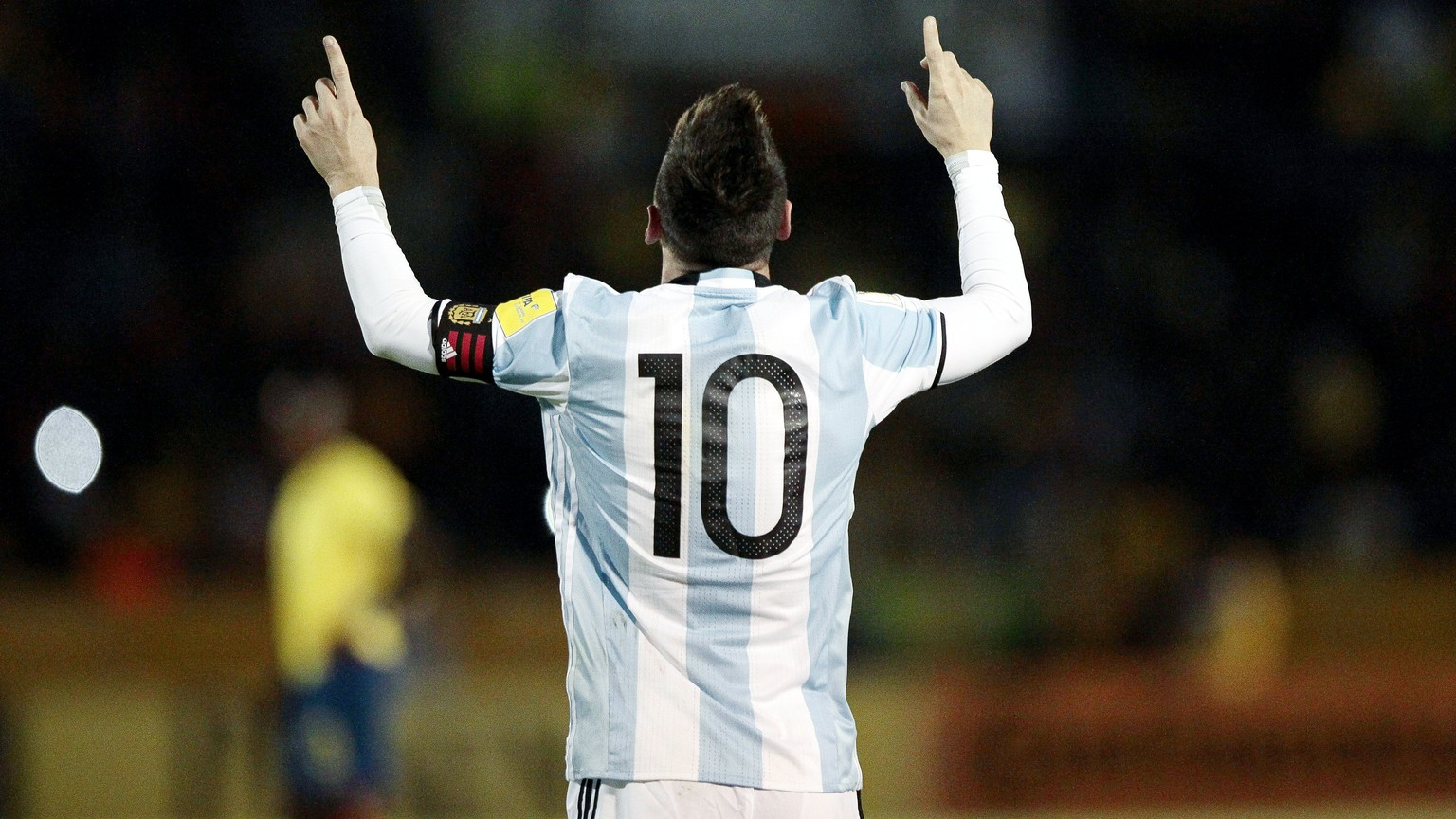epa06258029 Argentina's Lionel Messi celebrates after scoring the FIFA World Cup 2018 qualifying soccer match between Ecuador and Argentina at the Atahualpa Stadium in Quito, Ecuador, 10 October 2017.  EPA/JOSE JACOME