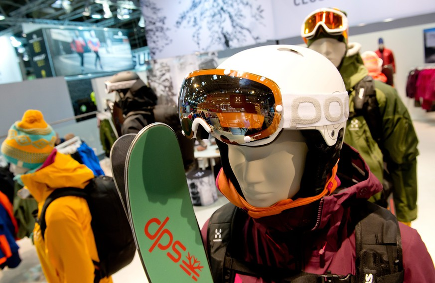 epa04604357 Skiing outfits, goggles and protection gear are on display at a stand on the ISPO International Trade Fair for Sport goods and Sportswear (Internationale Fachmesse fuer Sportartikel und Sportmode) in Munich, 05 February 2015. The annual fair this year runs until 08 February 2015.  EPA/SVEN HOPPE