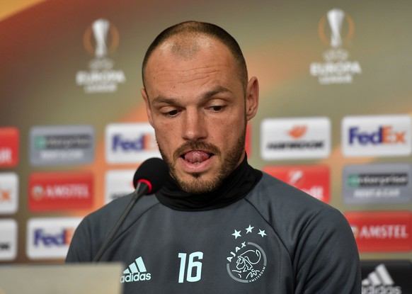 Ajax player Heiko Westermann reacts to the media at a press conference prior the Europa League quarterfinal second leg soccer match between FC Schalke 04 and Ajax Amsterdam in Gelsenkirchen, Germany, Wednesday, April 19, 2017. (AP Photo/Martin Meissner)