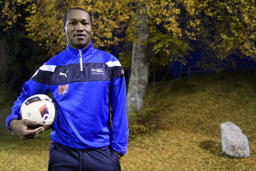 Cameroonian soccer player Eric Djemba-Djemba poses with a ball before a training session with the FC Vallorbe-Ballaigues, in Ballaigues, Switzerland, on Thursday, November 3, 2016. The former player of the Cameroun national team, FC Nantes, Manchester United and Aston Villa signed a contract to play with the Swiss regional soccer club FC Vallorbe-Ballaigues, who plays in the second division. (KEYSTONE/Laurent Gillieron)