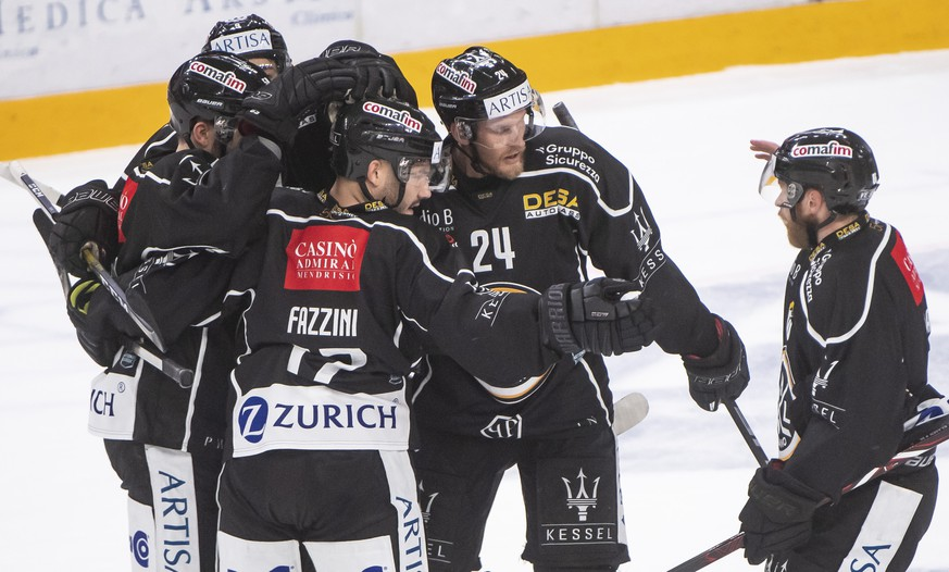 Lugano?s player Luca Fazzini, celebrate 1-1 gool, during the preliminary round game of National League A (NLA) Swiss Championship 2019/20 between HC Lugano and ZSC Lions at the ice stadium Corner Arena in Lugano, Switzerland, Friday,  October 4, 2019. (KEYSTONE-ATS/Ti-Press/Pablo Gianinazzi)
