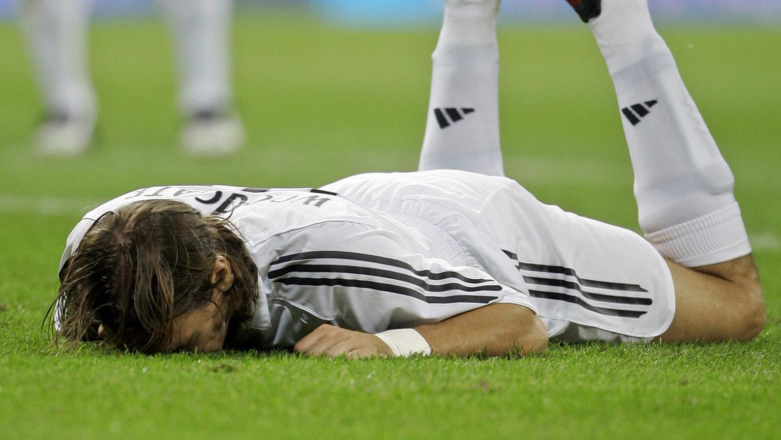 Real Madrid English player Jonathan Woodgate reacts after Athletic Bilbao scored during their Spanish league soccer match at the Bernabeu stadium in Madrid Thursday Sept. 22, 2005. (AP Photo/Bernat Armangue)