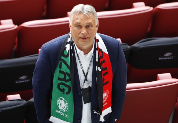 epa09273364 Hungary's Prime Minister Viktor Orban attends the UEFA EURO 2020 group F preliminary round soccer match between Hungary and Portugal in Budapest, Hungary, 15 June 2021.  EPA/Laszlo Balogh / POOL (RESTRICTIONS: For editorial news reporting purposes only. Images must appear as still images and must not emulate match action video footage. Photographs published in online publications shall have an interval of at least 20 seconds between the posting.)