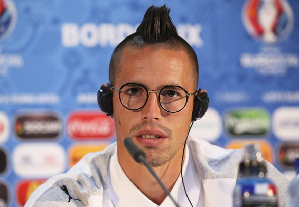 epa05355110 Slovakian national soccer team forward Marek Hamsik speaks during a press conference at Stade de Bordeaux in Bordeaux, France, 10 June 2016. Slovakia will face Wales in the UEFA EURO 2016 group B preliminary round match in Bordeaux on 11 June 2016.  EPA/UEFA (Handout photo provided by UEFA. Only editorial use relating to the event described is permitted. Photo may be distributed to third parties to use for the same purpose provided that no charge is made) HANDOUT EDITORIAL USE ONLY/NO SALES/NO ARCHIVES