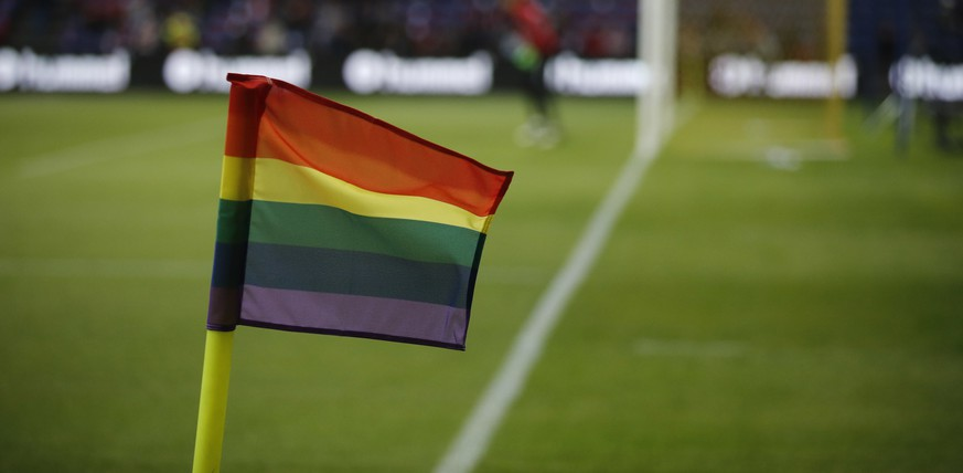 Homosexualität tabu: Warum sich kein schwuler Fussballer outet