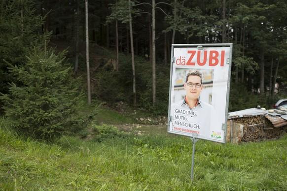 Ein Wahlplakat von David Zuberbuehler der SVP Ausserrhoden fuer die Nationalratswahlen im Oktober, aufgenommen am  Donnerstag, 10. September 2015, in Heiden. (KEYSTONE/Gian Ehrenzeller)