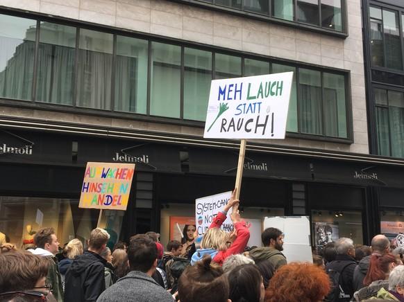 Meh Lauch statt Rauch - Klimademo in Zürich